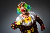 滑稽的小丑穿着五颜六色的服装 — 图库照片