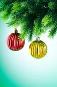 Juldekoration på Gran träd — Stockfoto