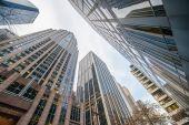 Arranha-céus altos tiro com perspectiva — Fotografia Stock
