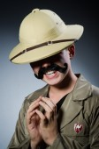 Man in safari hat hunting — Stock Photo