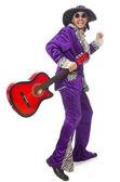 Homem em roupa engraçada segurando a guitarra isolada no branco — Fotografia Stock