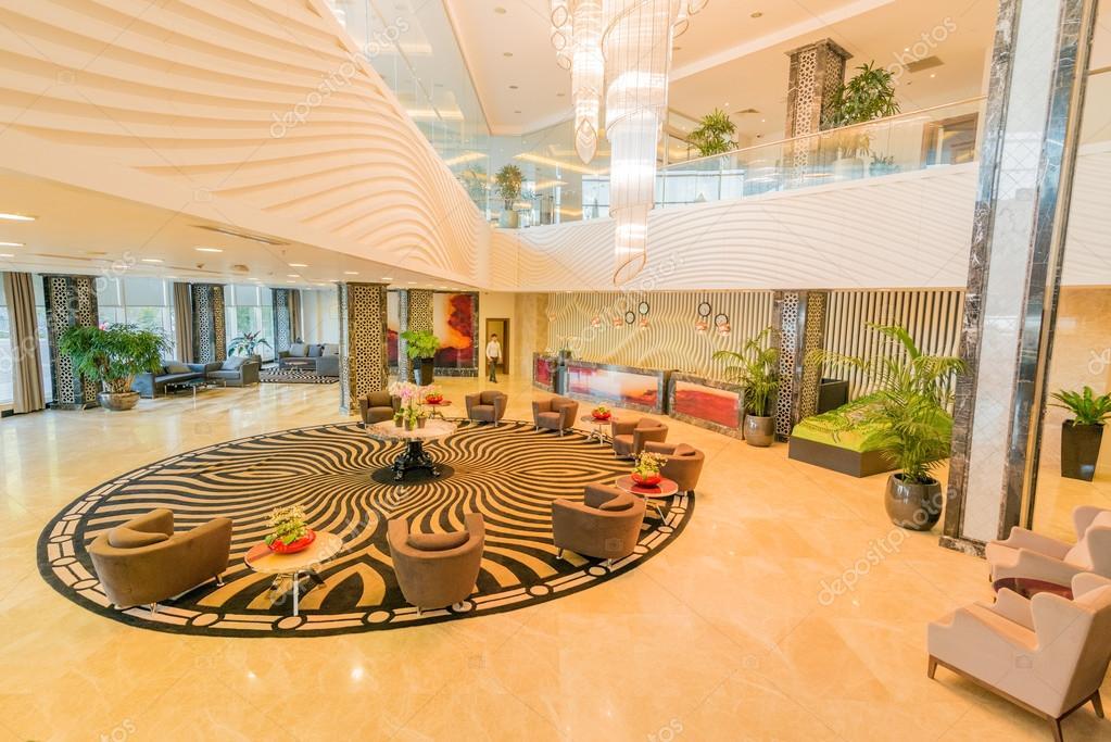 Lobby del hotel con un dise o moderno foto editorial de for Diseno de lobby de hoteles
