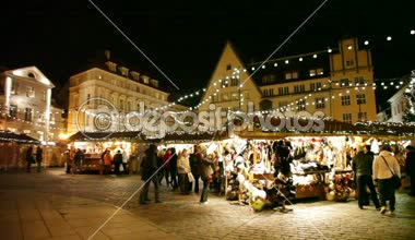 Holiday fair at the  Old Town  in  Tallinn — Stock Video