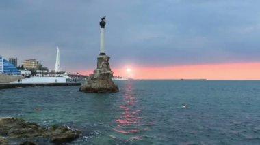 Monument to the flooded ships in Sevastopol — Stock Video