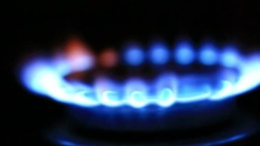 Gas burners in the oven — Stock Video