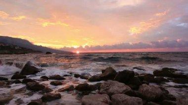 Sea waves  on stones — Stock Video