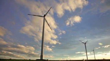 Vindkraft elproducenterna — Stockvideo