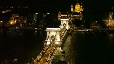 Famous Chain Bridge in Budapest — Stock Video
