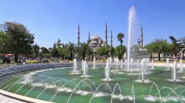 Fountain near Sultan Ahmed Mosque — Stock Video
