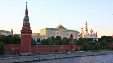 Moscow Kremlin and the waterfront. — Stock Video