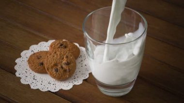Cookies and glass of milk — Stock Video