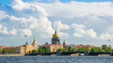 St Isaacs Cathedral in St. Petersburg — Stock Video