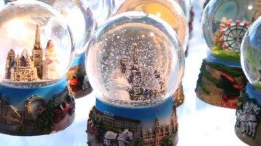 Many Christmas snow balls — Stock Video