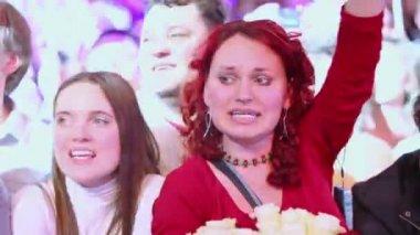 Women sing in rapture — Stock Video