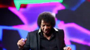 Pat Ottawan frontman sings — Stock Video
