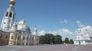 Кремлевский квадрат с alexander Невской церковью — Стоковое видео