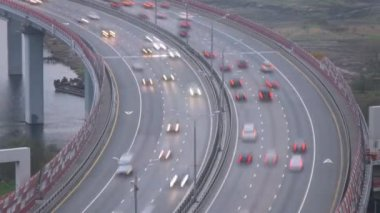 Car traffic on bridge — Stock Video