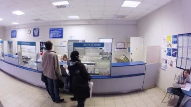People in post office — Stock Video