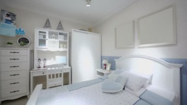 Kids bedroom with many furniture — Vídeo stock
