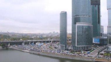 Новый город и Москва-река — Стоковое видео