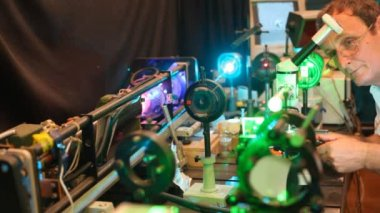 System of electronic devices with lasers — Vídeo stock