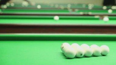First shot breaks billiard balls — Stock Video