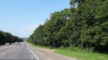 Doğru araçları ile çalışan yol — Stok video