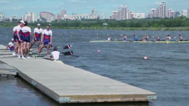 Members of Russian male rowing team — Stock Video