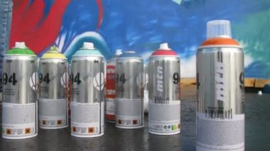 Cans with aerosol spray-on paint — Stock Video