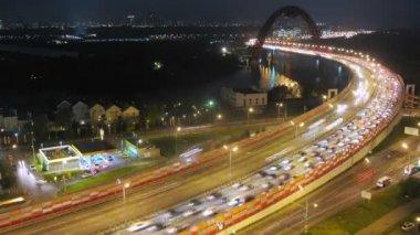 Bridge over river with traffic — ストックビデオ