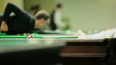 People play billiard game — Stock Video