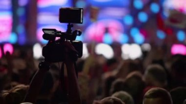 Video camera shoots hall — Stock Video