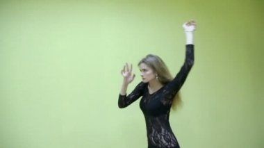 Attractive girl in lace dress dances — Stock Video