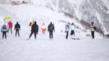 Many skiers go down — Wideo stockowe