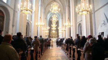 People in Sacred Augustines church — Stok video
