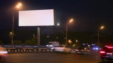Empty advertising pillar on highway — Stock Video
