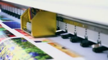 Printing colorful image — Stock Video