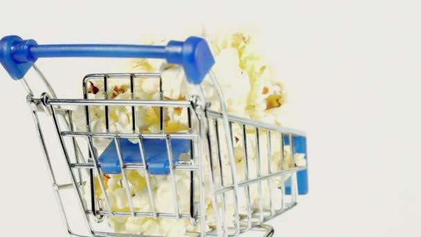 Miniature metal cart with popcorn — Vidéo
