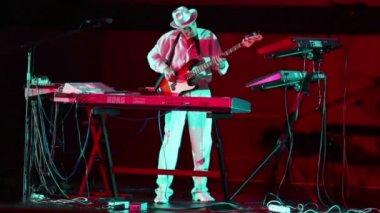 Andrey Klimkovsky plays on guitar — Stock Video