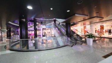 Shopping center at rebuilt hotel Moskva — Stock Video