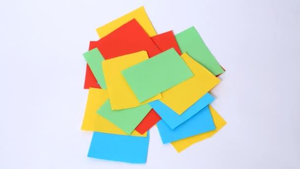 Обрывки цветной бумаги фильм