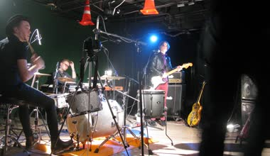 Band members rehearsing in studio — Stockvideo