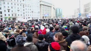 People at meeting on avenue of A.Saharov — Stock Video
