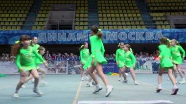 Performance of Kolibri cheerleaders team at Championship — Stock Video