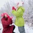 Little girl with her mother play — Stock Video #65691105