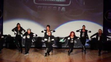 Banda team perform on stage — Stock Video