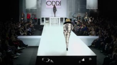 Woman in furry at Volvo Fashion Week — Stock Video