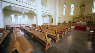 Benches and altar in Evangelical Lutheran Cathedral — Stock Video