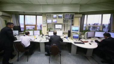 Air controllers work in Sheremetyevo airport — Stock Video