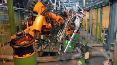 Car parts conveyer with automatic robotics — Stock Video
